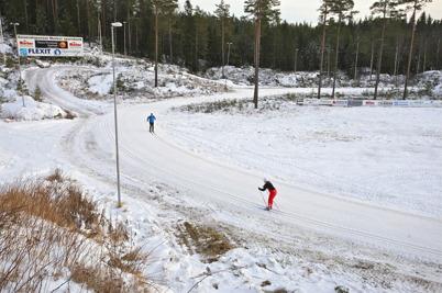 31 december 2015 - Och vid Kölen Sportcenter hade man efter ett intensivt arbete lyckats få till 1 km välpreparerade skidspår.