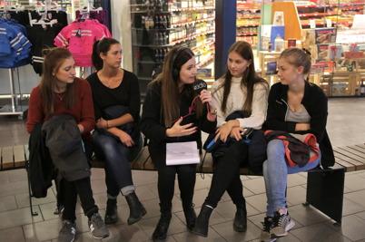 Sara samtalade med Julia Hansson, Frida Brunzell, Linnea Hansson och Frida Siljebråt som spelar i Töcksfors IF:s framgångsrika A-lag Damer.