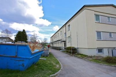 28 april 2015 - Förberedelse för utvändig renovering.