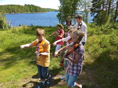 25 juni 2010 - Midsommarfirande på Mangsgården.