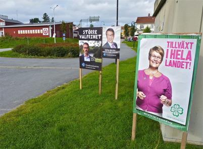 10 september 2010 - De politiska partierna sprider valbudskap inför det kommande kommun-, landstings- och riksdagsvalet 19 september.