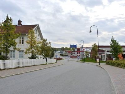 3 oktober 2010 - Sveavägen österut mot Shell bensinstation.