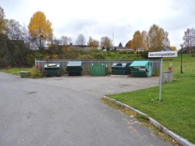 9 oktober 2010 - Vid brandstationen finns en återvinningsstation, där allmänheten sorterar vissa typer av sopor.