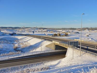 15 december 2010 - Markarbetet har återupptagits vid Lindudden, där Töcksfors handelspark skall byggas. Detta tolkas som att starten för byggandet av handelsparken närmar sig.