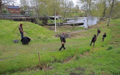 12 maj 2015 - Elever vid Stenebyskolan var i Töcksfors för rekognosering.