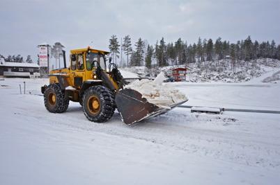 5 januari 2016 - Och vid Kölens Sportcenter kämpade man för att skapa åkbara spår.