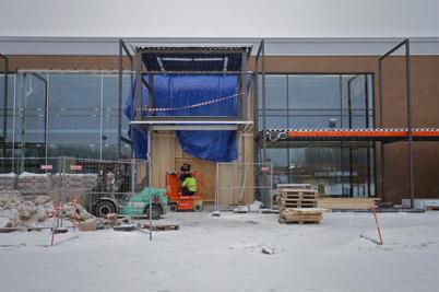 8 januari 2016 - Vid Handelsparken byggde man nya ICA Supermarket.