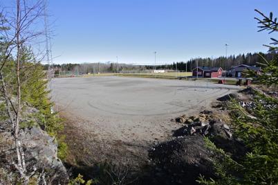 31 mars 2016 - Vid Hagavallen planerades det för nya konstgräsplanen.