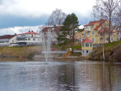 28 april 2016 - Fontänen i kanalen driftsattes inför sommaren.