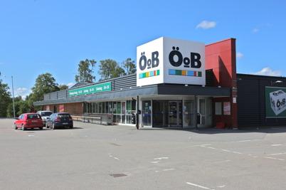 11 juni 2016 - Det var slutspurt i utförsäljningen av resterande varor i ÖoB-butiken inför stängningen.