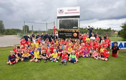 29 juni 2016 - Töcksfors IF arrangerade fotbolls-skola på Hagavallen, med över 100 deltagande ungdomar.