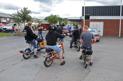 8 juli 2016 - En ny programpunkt för årets Töcksmarksvecka var tipspromenaden på moped.