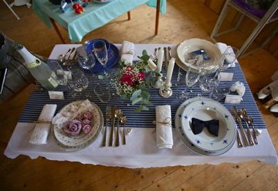 6 augusti 2016 - . . och samtidigt arrangerades en tävling i bordsdukning.