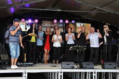 27 augusti 2016 - Under firandet av den stora Föreningsdagen  bjöds alla som samlats på underhållning av hög klass