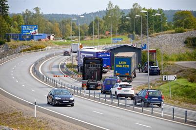 14 september 2016 - Tullpersonalen kollade bilar på löpande band vid kontrollplatsen.