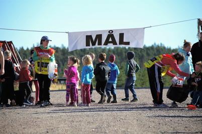 1 oktober 2016 - På Mölnerudshöjden i Holmedal arrangerades Vindkraftsloppet, med särskild start för de minsta.