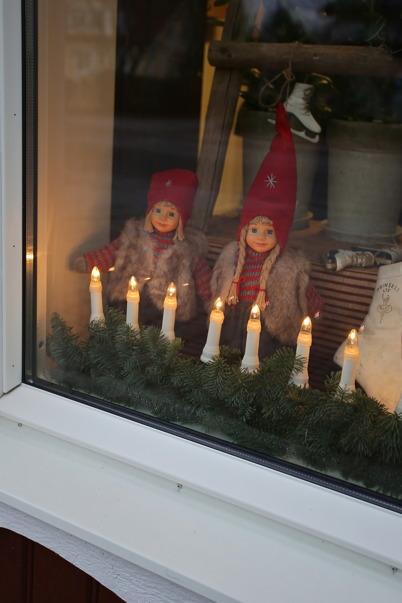 24 november 2016 - Förberedelserna för julskyltningen vara klara.