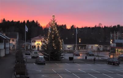 25 november 2016 - Allt var klart för kommande julskyltning i Töcksfors centrum.