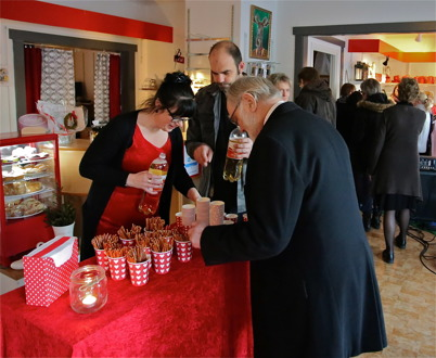 27 november 2016 - Det serverades tilltugg för minglande gäster i nya Konst & Musikboden.
