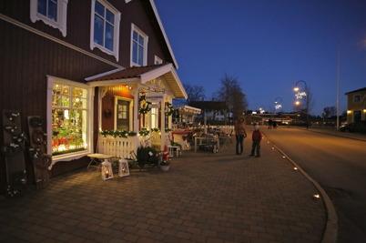 27 november 2016 - Julstämningen infann sig vid Sveavägen genom Töcksfors centrum.
