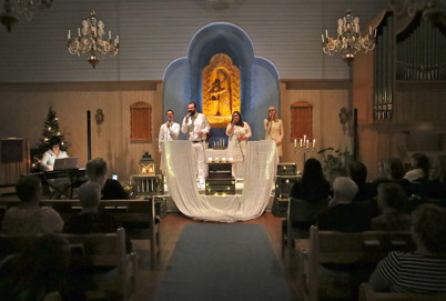 11 december 2016 - I Östervallskogs kyrka kunde man njuta av sånggruppen Hjem´s julkonsert.