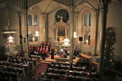 """27 december 2016 - I Silleruds kyrka kunde man njuta av Sofia Källgrens konsert """" Musik i Vinterkvällen """"."""