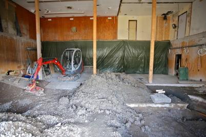 12 mars 2015 - Sanering av fastighetens grund efter ett gammalt utsläpp av eldningsolja.