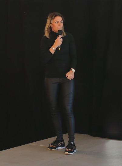 Centerkoordinator Ulrika Arenander hälsade alla välkomna till Shoppingcentrets årliga mode-visning.