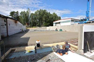 6 juli 2016 - I väntan på nästa betongbil.