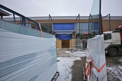 16 december 2015 - Här byggs nya entrén till RUSTA butiken.
