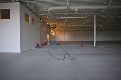 18 november 2015 - Rivningsarbetet har även startat i lokalen där Sportshopen fanns.