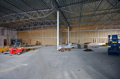 22 februari 2016 - RUSTA har flyttat ur gamla butikslokalen, så nu kan väggen rivas och bygget av ICA butiken fortsätta.