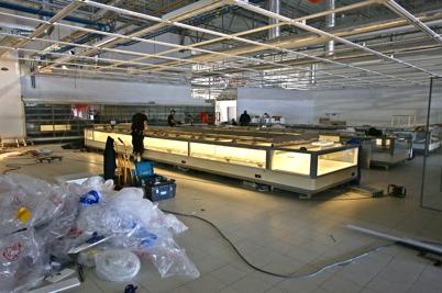 22 juni 2016 - Nu börjar diskarna komma på plats i nya ICA butiken.