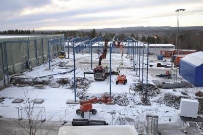 12 januari 2017 - Vid Flexit började man montera stålkonstruktionen för nya industrihallen.