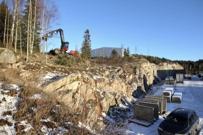 16 januari 2017 - På Skärmons och Källhultets industriområden fortsatte skogsavverkningen.