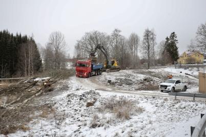 17 januari 2017 - Så var då arbetet i gång med nya vägen vid Älverud.