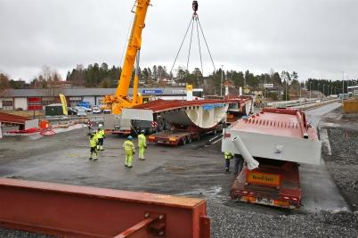 20 februari 2017 - I Örje fortsatte delar till bron Norgesporten att anlända från Baltikum.
