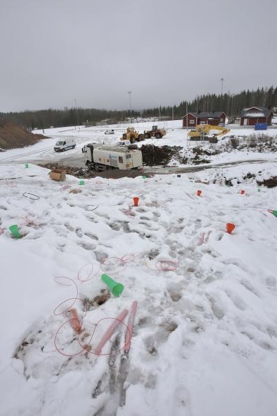 27 februari 2017 - Vid Hagavallen fortsatte sprängningarna för nya parkeringen och konstgräsplanen.