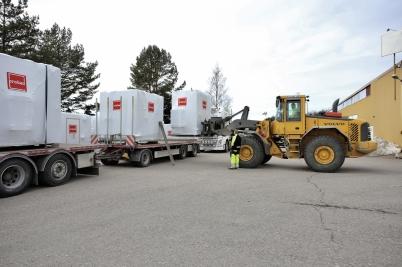 7 mars 2017 - Probad levererar fabriks-tillverkade badrumsmoduler på löpande band.