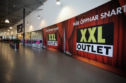 9 april 2017 - I shoppingcentret byggdes butikslokalen  för XXL Sport.