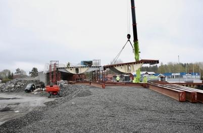 16 maj 2017 - Och i Örje byggde man bron Norgesporten.