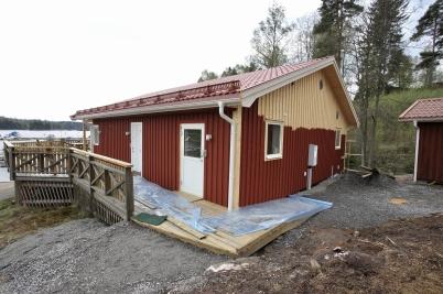 18 maj 2017 - I Sandviken återstod bara yttre målning, sen var nya klubbstugan klar.