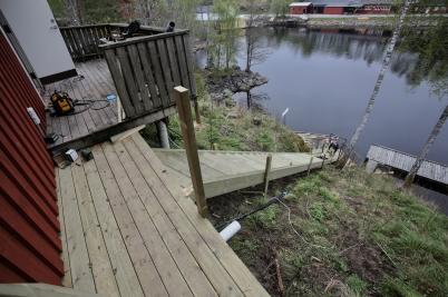 19 maj 2017 - Vid nedre slussen byggdes det en ny trappa ner till vänt-bryggan.