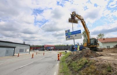 29 maj 2017 - På Älverudsområdet i Töcksfors kunde man se framsteg i vägbygget.