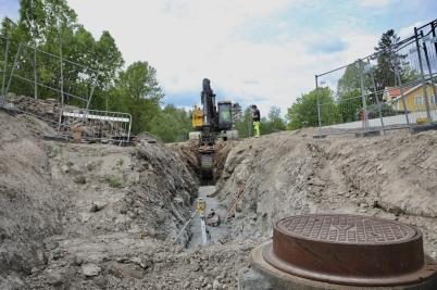 29 maj 2017 - Vid nya in- och utfarten till Älverud fortsatte det underjordiska arbetet.