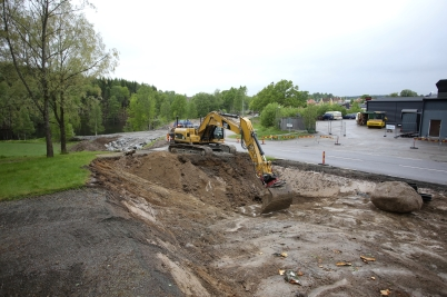 30 maj 2017 - Och på Älverudsområdet byggde man väg.