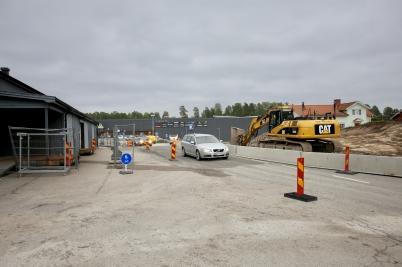 11 juni 2017 - Vid Älverud blev det trängre för trafiken att ta sig fram, i samband med vägbygget.