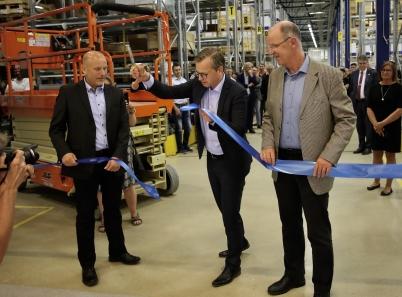 21 juni 2017 - Så var det dags att inviga Flexit´s nya industrihall och kontor. Det var Närings- och innovationsminister Mikael Damberg som talade och klippte bandet.