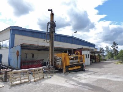 25 juni 2017 - Nokalux borrade för bergvärme till nya fabriken vid Bruserud.