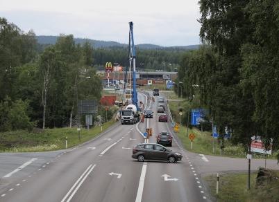 10 juli 2017 - Och E18-bron vid Turist-gården reparerades.